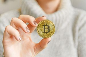 Bitcoin lại tăng giá khủng vì một tỉ phú tìm mua