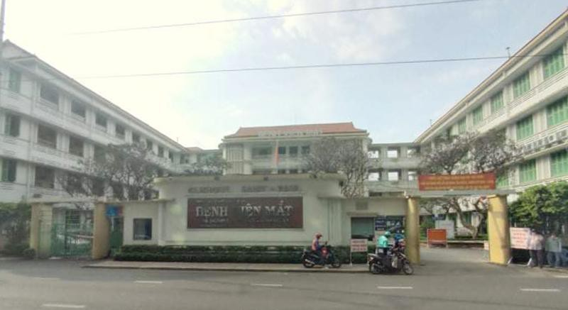 Bệnh viện Mắt TP.HCM: Bệnh nhân chờ gần nửa năm chưa được mổ vì không có vật tư