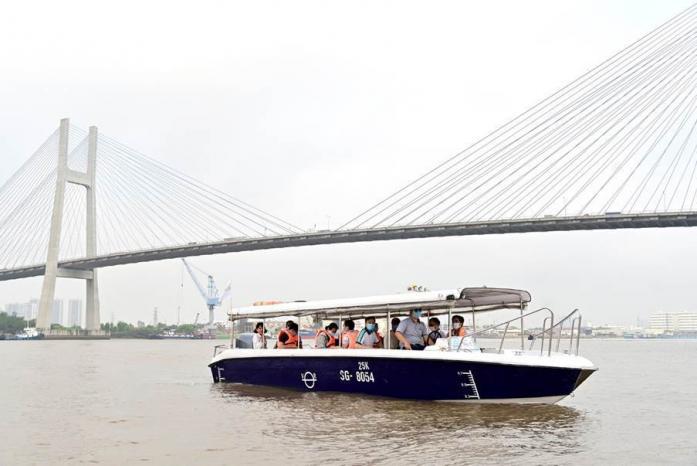 Trải nghiệm biệt thự mẫu đô thị đảo Phượng Hoàng - Aqua City bằng đường sông