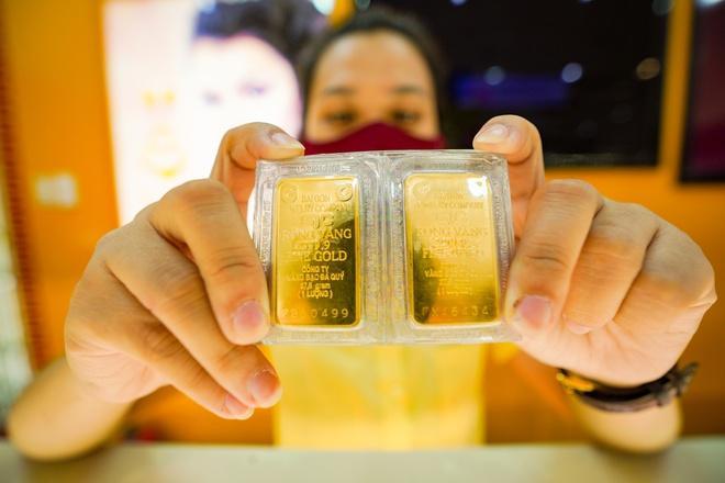 Ngược chiều thế giới, giá vàng trong nước lên gần 58 triệu đồng/lượng