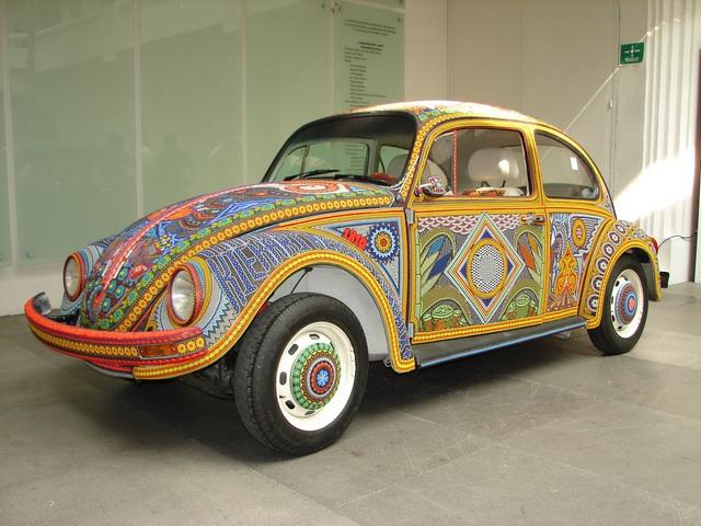 Chiếc Beetle độc nhất vô nhị thế giới, đính hàng triệu hạt màu sặc sỡ